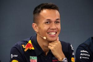Tost: Albon mentally strong enough to take on Verstappen