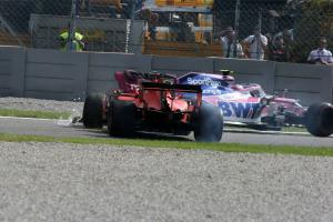 Stewards didn't consider black flag for Vettel in Italian GP