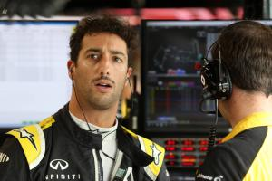 Ricciardo excluded from Singapore GP qualifying