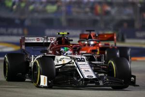 Giovinazzi felt 'quite safe' passing crane in Singapore GP