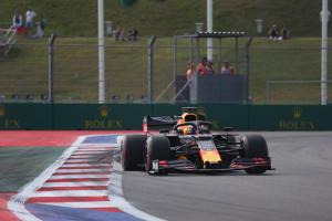 Verstappen quickest in Russia FP2 as Mercedes struggles