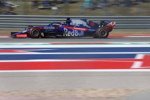 Kvyat penalised for Perez collision, loses points finish