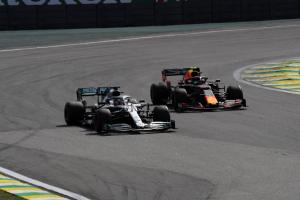 Apologetic Hamilton: Clash with Albon 'completely my fault'