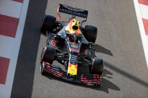 Verstappen edges Hamilton to lead final Abu Dhabi F1 practice