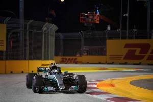 Bottas: Mercedes 'definitely got lucky' with Singapore 1-3