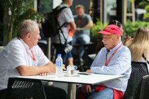 Lauda, Marko trade blows over Verstappen deal