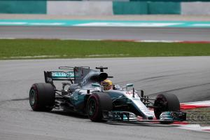 Hamilton takes Malaysia F1 pole as disaster strikes Vettel