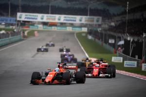 Alonso shrugs off Vettel's Malaysia blue flag complaints