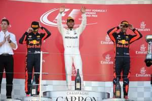 Verstappen, Ricciardo can go 'shoulder to shoulder' with Hamilton