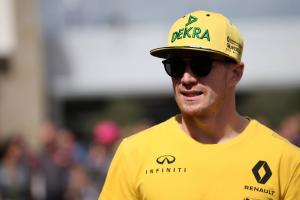 "Hulkenberg expects ""harder time"" from Sainz compared to Palmer"