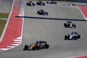 """Sainz hails """"very close to perfect"""" Renault debut"""