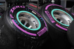 Pirelli adds super-hard, hyper-soft tyres to 2018 F1 range
