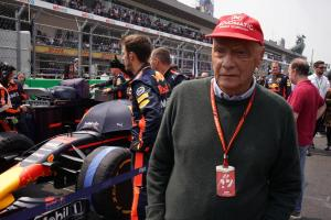 Lauda warns Mercedes F1 title defence will be tougher in 2018