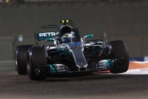 Bottas takes Abu Dhabi GP pole after late Hamilton error