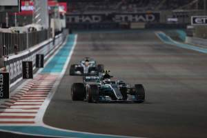 Hamilton laments lack of overtaking chances in Abu Dhabi