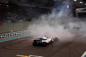 Massa waves farewell to F1 with final Williams triumph