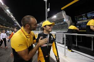 Renault F1 boss Abiteboul hails 'great contributor' Sainz