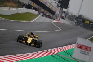 Sainz predicts 2s lap gain around Barcelona F1 circuit