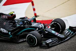 """Bottas: F1 pecking order unclear due to """"messy"""" Bahrain Friday practice"""