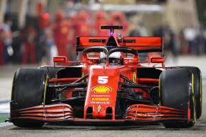 """Vettel: Ferrari needs to be """"sly as a fox"""" to score F1 points in Bahrain GP"""