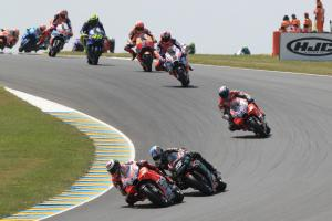 Braking issue stops Lorenzo's charge