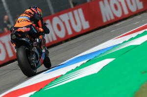 Smith waiting on Pedrosa, Petronas decision