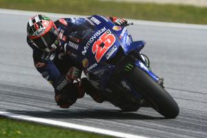 Vinales leads Rossi for Yamaha resurgence in Silverstone FP1
