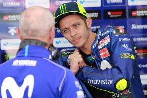 Pit mistake costs Rossi a row, Vinales braking woe
