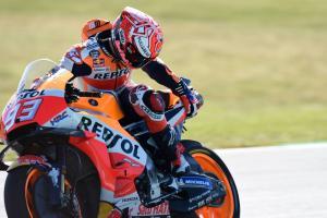 Marquez: Insiden balapan, Zarco dan saya 'sangat beruntung'