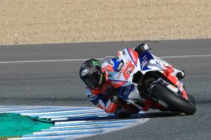 Top rookie Bagnaia 'mix of Lorenzo and Dovizioso'