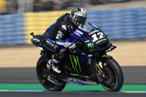 Vinales leads Marquez in FP2 scattered by falls