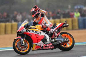 Marquez untouchable as Dovizioso holds off Petrucci
