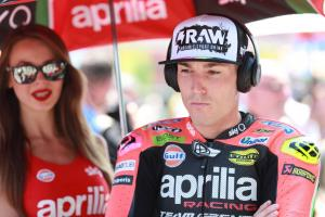 Espargaro loses time in Zarco contact