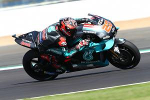Quartararo beats Rossi in lap record battle, Dovizioso into Q1