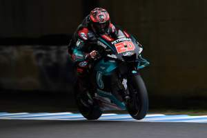 Quartararo fights back against Vinales as Yamaha impress