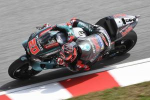 Quartararo destroys lap record at Sepang to dominate Friday