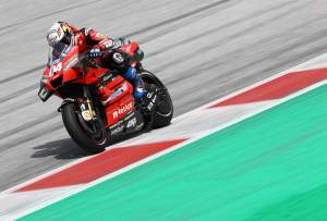 Dovizioso fires message to Ducati to win chaotic Austrian MotoGP