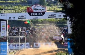 Neuville clear as WRC rivals suffer