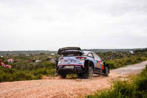 Mikkelsen makes early charge from Neuville