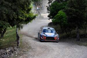 Neuville edges closer to Ogier ahead of final day