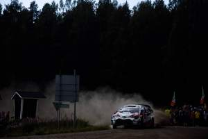 Tanak closes in on Rally Finland victory