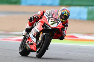 Davies wins as World Superbike champion Rea DNFs