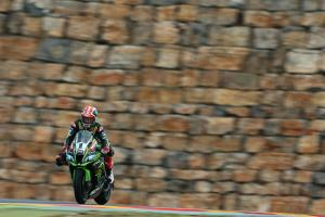 Rea triumphs against Ducati trio in restarted race