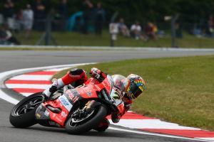 Davies fights with his Ducati to fifth