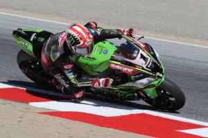 Rea remains top in red-flagged session