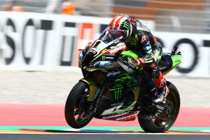 Rea retains top spot from Davies