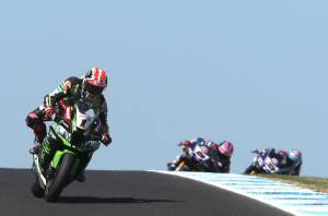 Rea back on top in warm-up