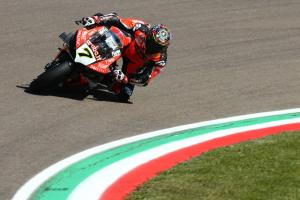 Davies strikes back to snatch Imola WorldSBK pole