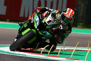 Last gasp Rea snatches FP2 lead from Davies