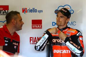Davies slams Melandri for 'd***head move'